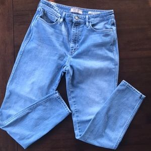 Guess Jeans size 30  1981 Skinny